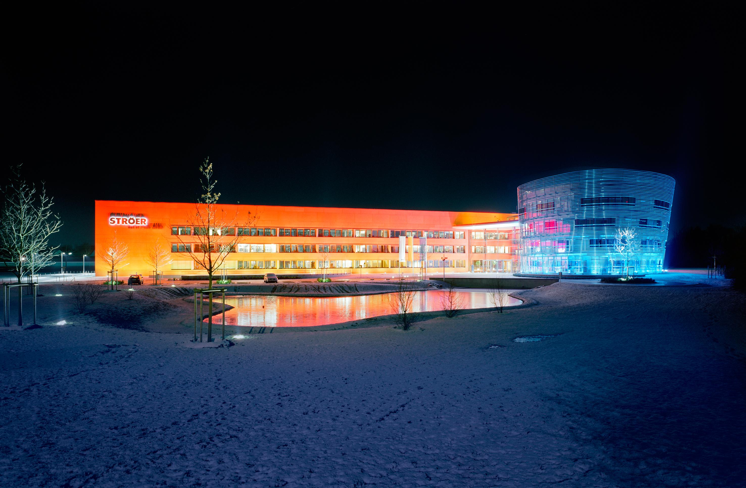 "Neubau Firmenzentrale ""Ströer out of home media"" in Köln-Sürth ..."